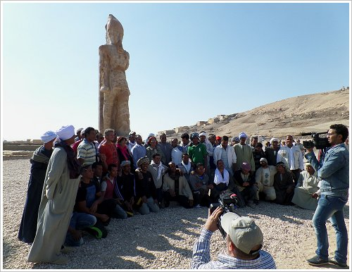 Das Team des Colossi of Memnon and Amenhotep III Temple Conservation Project