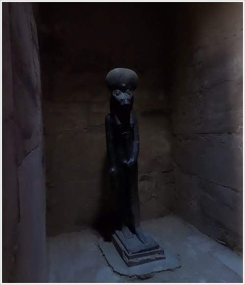 2. South Asasif Conservation Project Conference - Sachmet-Statue im Ptah-Tempel