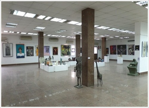 Kunstausstellung des 5. Upper Egypt Salon in Luxor